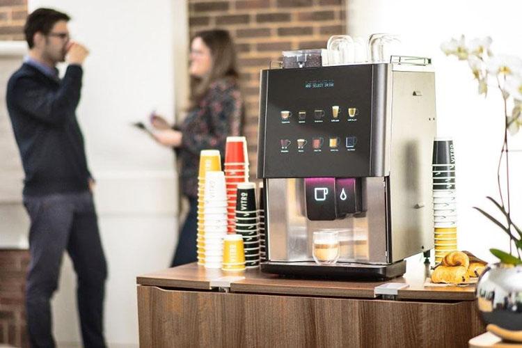 Кофемашина в офисе мешает побороть зависимость от кофеина